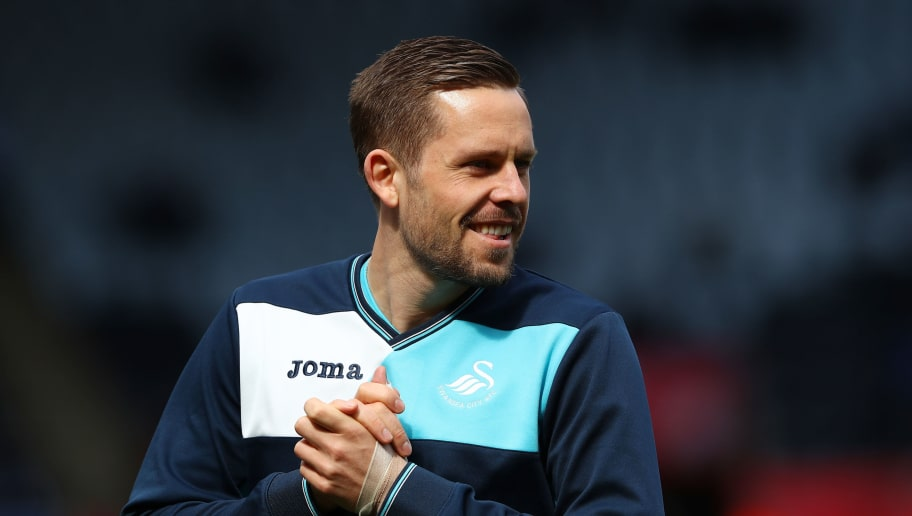 SWANSEA, WALES - APRIL 02:  Gylfi Sigurdsson of Swansea City warms up prior to the Premier League match between Swansea City and Middlesbrough at the Liberty Stadium on April 2, 2017 in Swansea, Wales.  (Photo by Michael Steele/Getty Images)