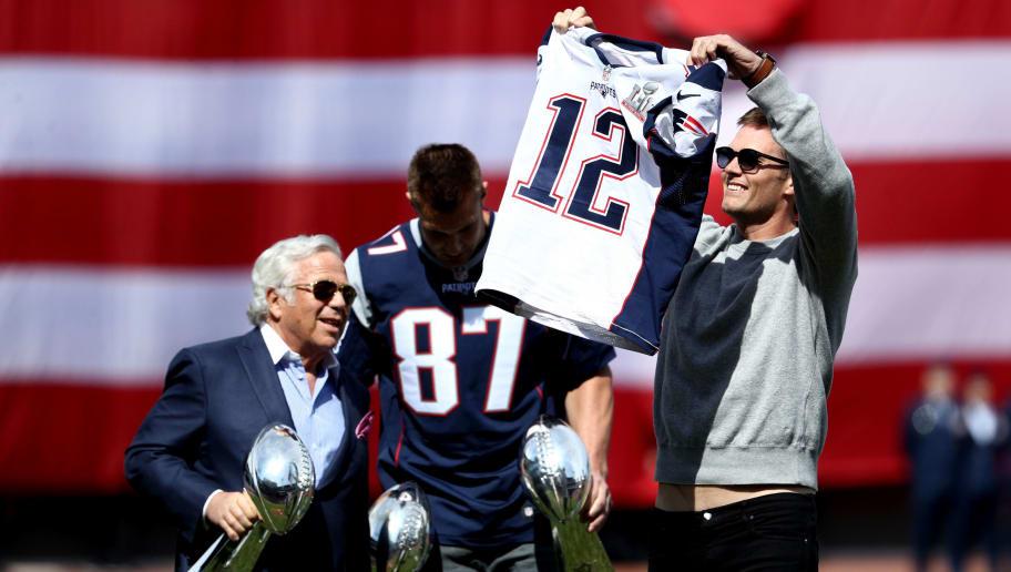 guy stealing tom brady's jersey