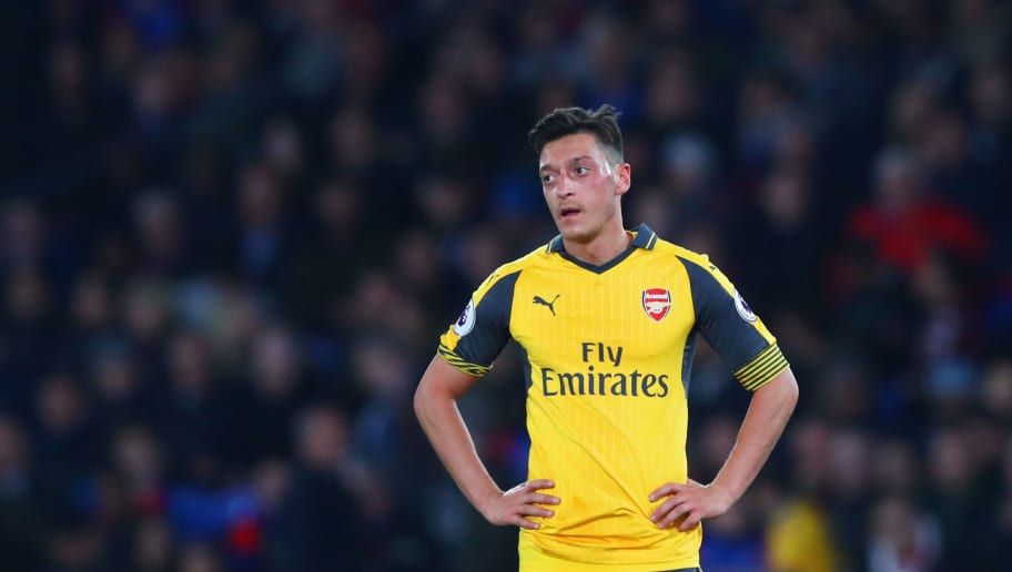 LONDON, ENGLAND - APRIL 10:  Mesut Ozil of Arsenal looks dejected during the Premier League match between Crystal Palace and Arsenal at Selhurst Park on April 10, 2017 in London, England.  (Photo by Clive Rose/Getty Images)