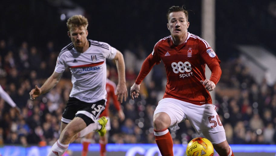 LONDON, ENGLAND - FEBRUARY 14: Ross McCormack of Nottingham Forest and Tim Ream of Fulham in action during the Sky Bet Championship match between Fulham and Nottingham Forest at Craven Cottage on February 14, 2017 in London, England. (Photo by Justin Setterfield/Getty Images)