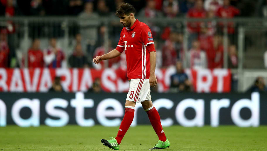MUNICH, GERMANY - APRIL 12:  Javi Martinez #8 of Muenchen walks off the pitch after he gets the yellow red card during the UEFA Champions League Quarter Final first leg match between FC Bayern Muenchen and Real Madrid CF at Allianz Arena on April 12, 2017 in Munich, Germany.  (Photo by Alex Grimm/Bongarts/Getty Images)
