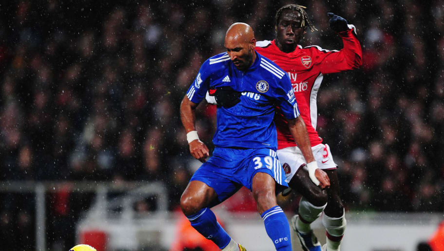 LONDON, ENGLAND - NOVEMBER 29:  Bacary Sagna of Arsenal challenges Nicolas Anelka of Chelsea during the Barclays Premier League match between Arsenal and Chelsea at the Emirates Stadium on November 29, 2009 in London, England.  (Photo by Mike Hewitt/Getty Images)