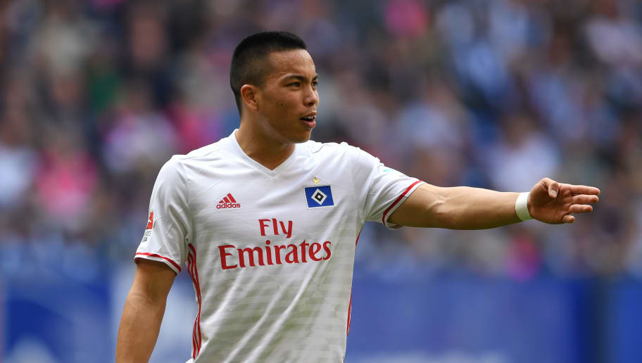HAMBURG, GERMANY - MAY 07:  Bobby Wood of Hamburg looks dejected  during the Bundesliga match between Hamburger SV and 1. FSV Mainz 05 at Volksparkstadion on May 7, 2017 in Hamburg, Germany.  (Photo by Stuart Franklin/Bongarts/Getty Images)
