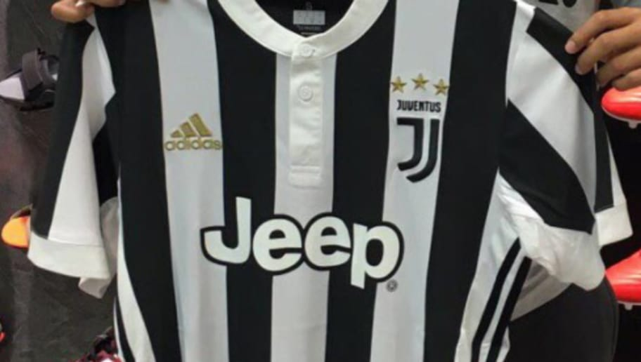 new styles 1e076 f1bea LEAKED: Full Juventus Home Kit for 2017/2018 Season Surfaces ...