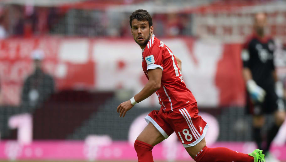 MUNICH, GERMANY - MAY 20: Juan Bernat of FC Bayern Muenchen controls the ball during the Bundesliga match between Bayern Muenchen and SC Freiburg at Allianz Arena on May 20, 2017 in Munich, Germany.  (Photo by Matthias Hangst/Bongarts/Getty Images)