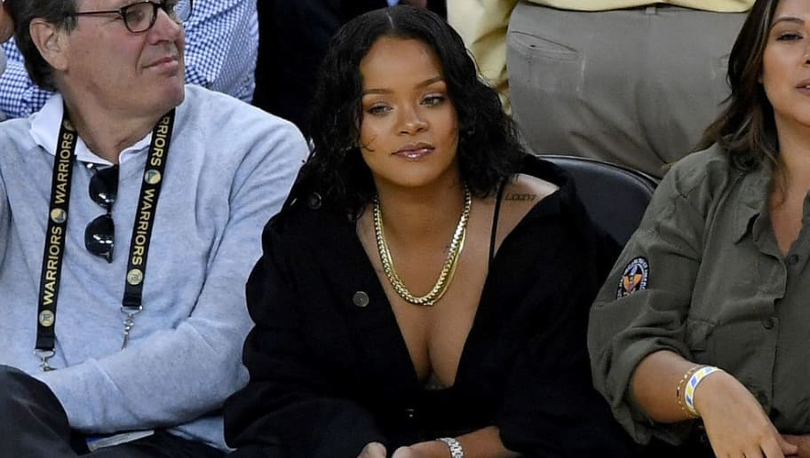OAKLAND, CA - JUNE 01:  Recording artist Rihanna attends Game 1 of the 2017 NBA Finals at ORACLE Arena on June 1, 2017 in Oakland, California. NOTE TO USER: User expressly acknowledges and agrees that, by downloading and or using this photograph, User is consenting to the terms and conditions of the Getty Images License Agreement.  (Photo by Thearon W. Henderson/Getty Images)