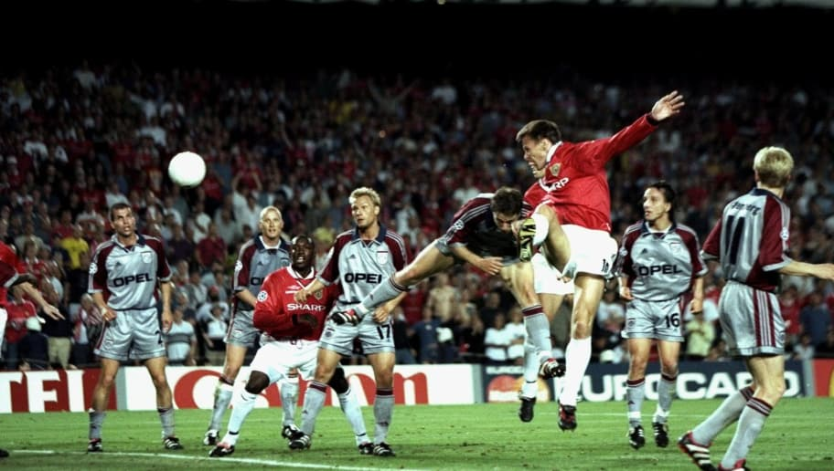 26 May 1999 Teddy Sheringham Of Manchester United Heads Goalwards During The UEFA Champions League