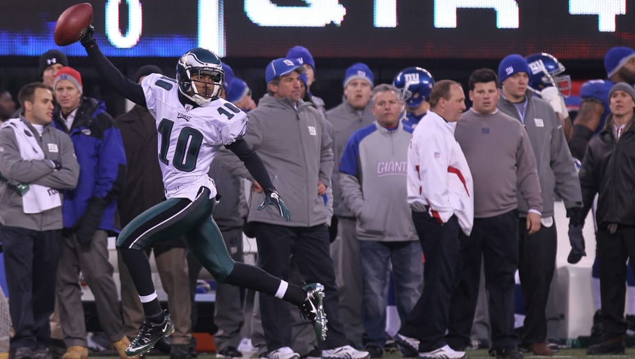 EAST RUTHERFORD, NJ - DECEMBER 19:  DeSean Jackson #10 of the Philadelphia Eagles runs in the game winning touchdown on a punt return against the New York Giants at New Meadowlands Stadium on December 19, 2010 in East Rutherford, New Jersey.  (Photo by Nick Laham/Getty Images)