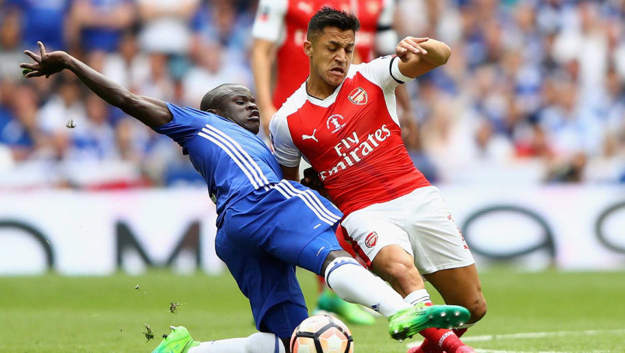 LONDON, ENGLAND - MAY 27:  N'Golo Kante of Chelsea and Alexis Sanchez of Arsenal battle for possession during the Emirates FA Cup Final between Arsenal and Chelsea at Wembley Stadium on May 27, 2017 in London, England.  (Photo by Ian Walton/Getty Images)