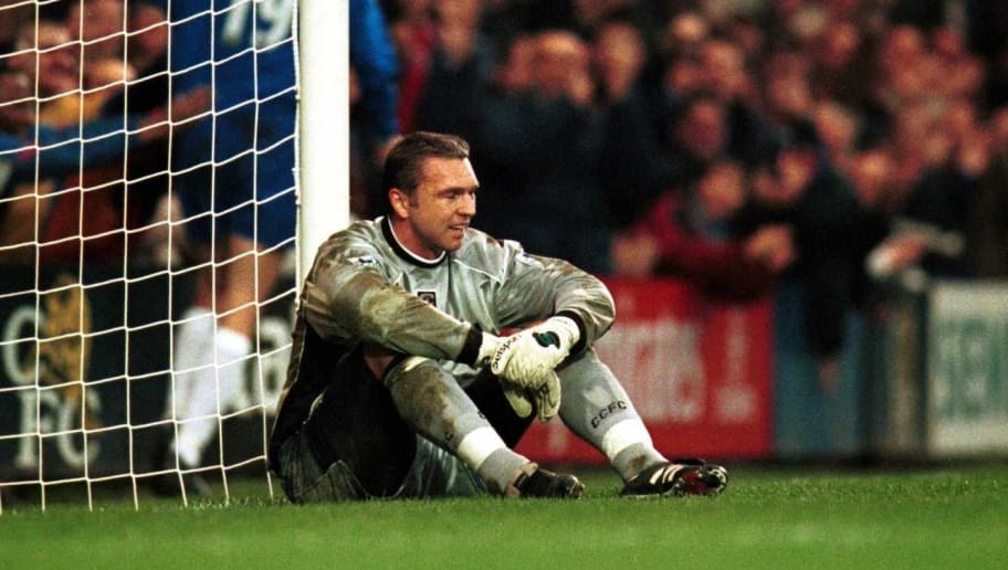 21 Oct 2000:   Alan Miller of Coventry City  shows his disappointment during the FA Carling Premiership game between Chelsea and Coventry City at Stamford Bridge, London. Mandatory Credit: Clive Brunskill/ALLSPORT