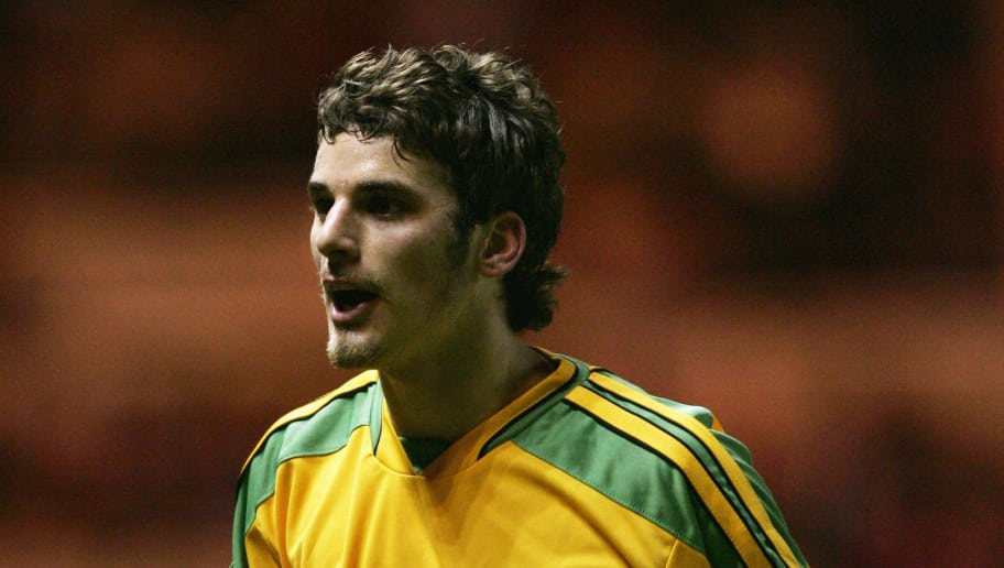MIDDLESBROUGH, ENGLAND - DECEMBER 28:  David Bentley of Norwich City appeals during the Barclays Premiership match between Middlesbrough and Norwich at The Riverside on December 28, 2004 in Middlesbrough, England.  (Photo by Bryn Lennon/Getty Images)