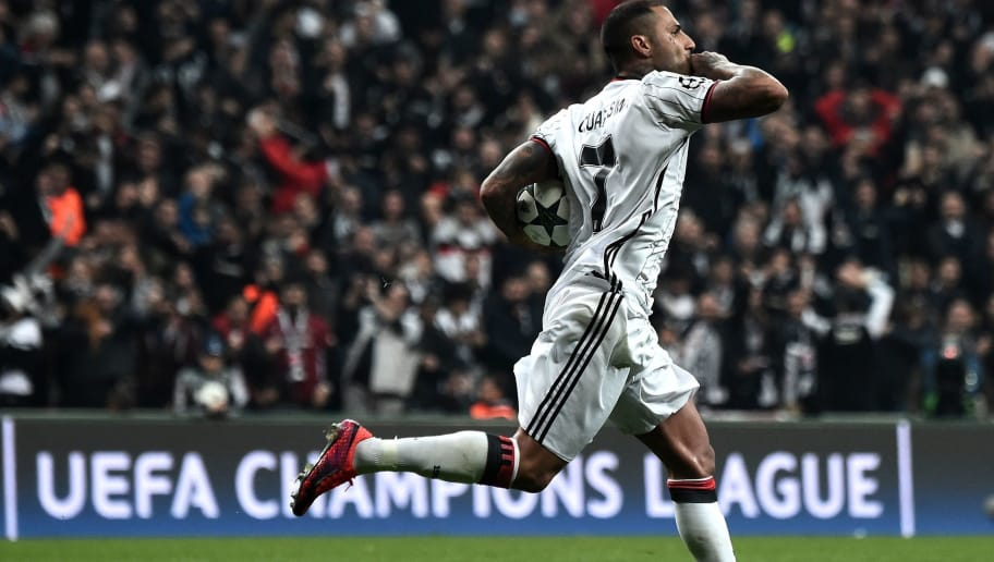 Besiktas' Ricardo Quaresma  celebrates with teammates after scoring a goal during the UEFA Champions League Group B football match between Besiktas Istanbul and Benfica Lisbon on November 23, 2016 at Vodafone arena in Istanbul. / AFP / OZAN KOSE        (Photo credit should read OZAN KOSE/AFP/Getty Images)