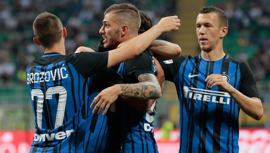 MILAN, ITALY - MAY 28:  Eder Citadin Martins of FC Internazionale Milano (C) celebrates with his team-mates after scoring the opening goal during the Serie A match between FC Internazionale and Udinese Calcio at Stadio Giuseppe Meazza on May 28, 2017 in Milan, Italy.  (Photo by Emilio Andreoli/Getty Images)
