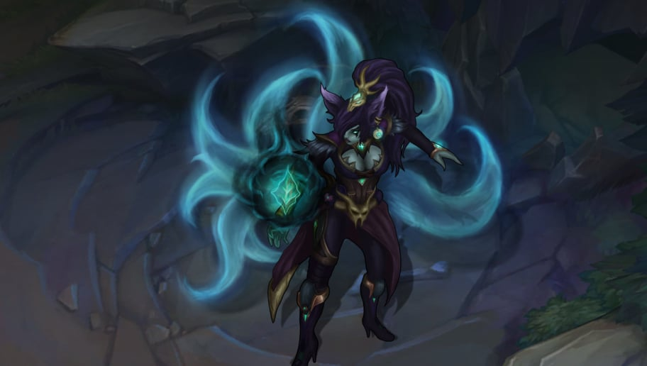 Awesome Fan-Made Ahri Skin Steals Souls