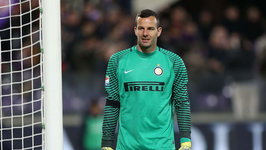 FLORENCE, ITALY - APRIL 22: Samir Handanovic of FC Internazionale in action during the Serie A match between ACF Fiorentina v FC Internazionale at Stadio Artemio Franchi on April 22, 2017 in Florence, Italy.  (Photo by Gabriele Maltinti/Getty Images)
