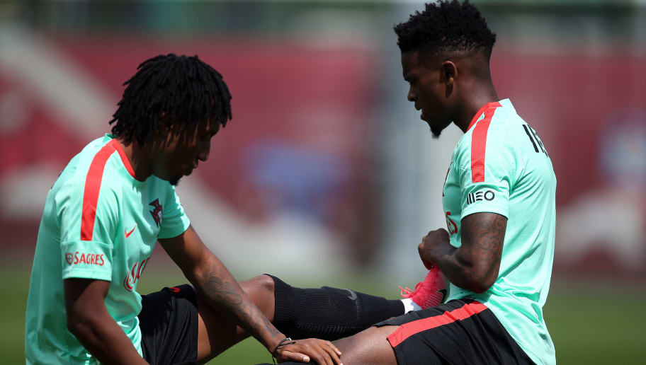 Portugal national team midfielders Gelson Martins  (L) and  William Carvalho  (R) take part in a training session in Kazan on June 15, 2017, as part of the team's preparation for the Confederations Cup. / AFP PHOTO / Roman Kruchinin        (Photo credit should read ROMAN KRUCHININ/AFP/Getty Images)