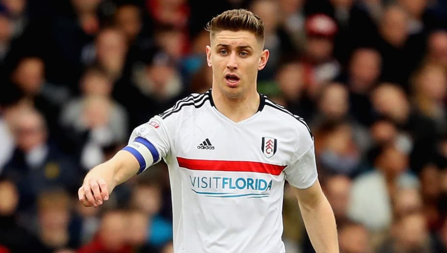 LONDON, ENGLAND - MARCH 18:  Tom Cairney of Fulham in action during the Sky Bet Championship match between Fulham and Wolverhampton Wanderers at Craven Cottage on March 18, 2017 in London, England.  (Photo by Andrew Redington/Getty Images)