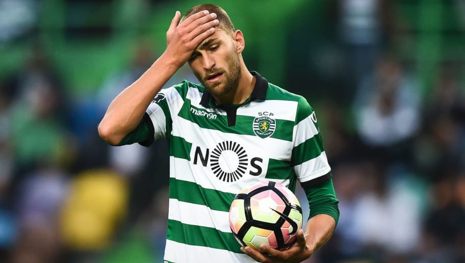 Sporting's Dutch forward Bas Dost gestures after missing a goal opportunity during the Portuguese league football match Sporting CP vs GD Chaves  at the Jose Alvalade stadium in Lisbon on May 21, 2017. / AFP PHOTO / PATRICIA DE MELO MOREIRA        (Photo credit should read PATRICIA DE MELO MOREIRA/AFP/Getty Images)