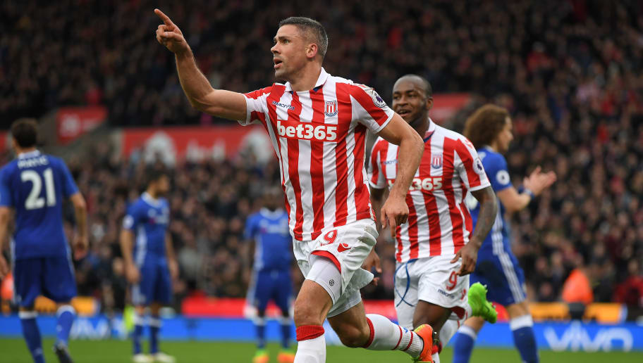 STOKE ON TRENT, ENGLAND - MARCH 18: Jonathan Walters of Stoke City celebrates scoring his sides first goal during the Premier League match between Stoke City and Chelsea at Bet365 Stadium on March 18, 2017 in Stoke on Trent, England.  (Photo by Laurence Griffiths/Getty Images)
