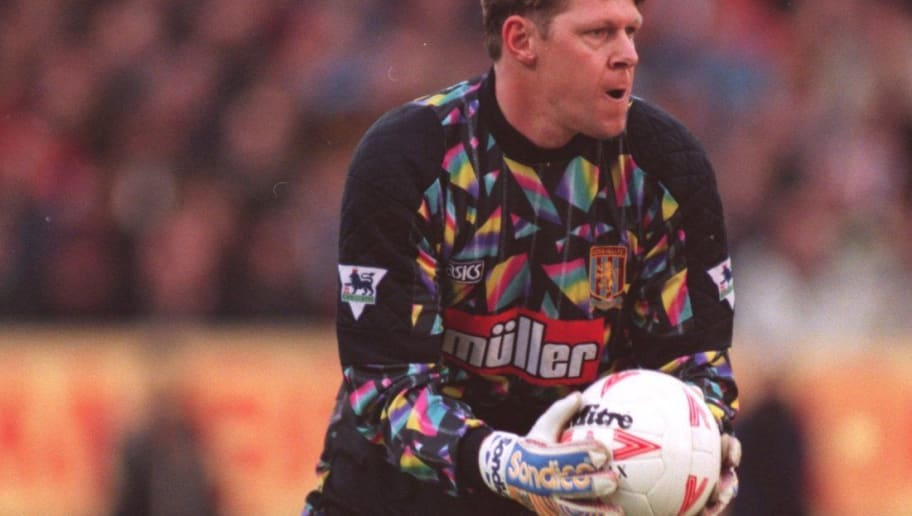 8a29169dae5 7 JAN 1995: ASTON VILLA GOALKEEPER NIGEL SPINK IN ACTION AGAINST BARNSLEY  DURING A FA