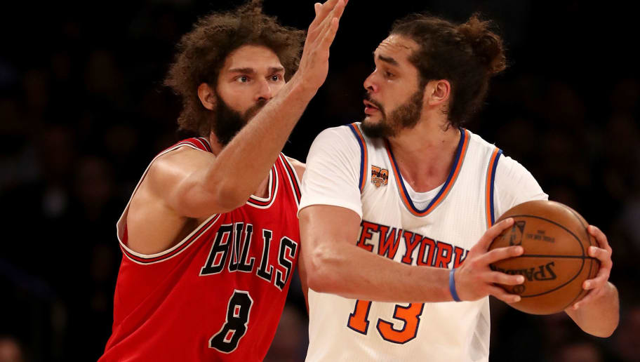 NEW YORK, NY - JANUARY 12:  Robin Lopez #8 of the Chicago Bulls tries to block Joakim Noah #13 of the New York Knicks at Madison Square Garden on January 12, 2017 in New York City. NOTE TO USER: User expressly acknowledges and agrees that, by downloading and or using this Photograph, user is consenting to the terms and conditions of the Getty Images License Agreement  (Photo by Elsa/Getty Images)