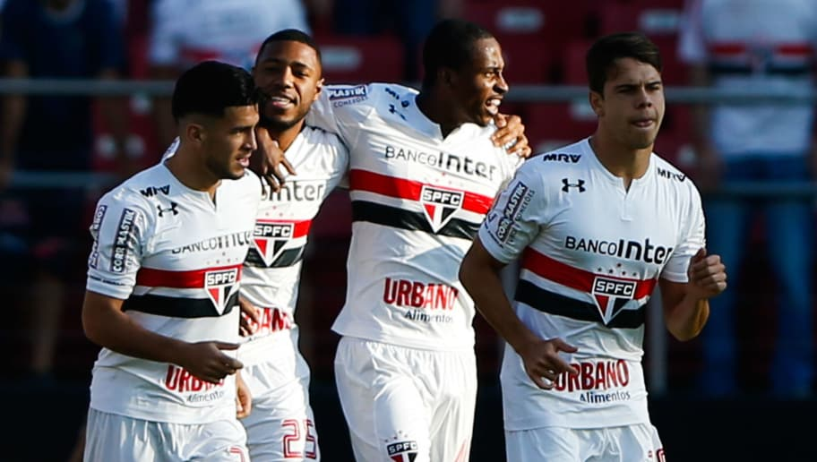 SAO PAULO, BRAZIL - JUNE 25: Players of Sao Paulo celebrate their first goal during the match between Sao Paulo and Fluminense for the Brasileirao Series A 2017 at Morumbi Stadium on June 25, 2017 in Sao Paulo, Brazil. (Photo by Alexandre Schneider/Getty Images)