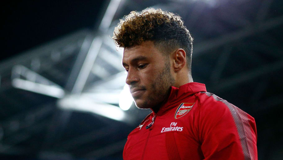 SYDNEY, AUSTRALIA - JULY 15:  Alex Oxlade-Chamberlain of Arsenal enters the field of play during the match between the Western Sydney Wanderers and Arsenal FC at ANZ Stadium on July 15, 2017 in Sydney, Australia.  (Photo by Zak Kaczmarek/Getty Images)