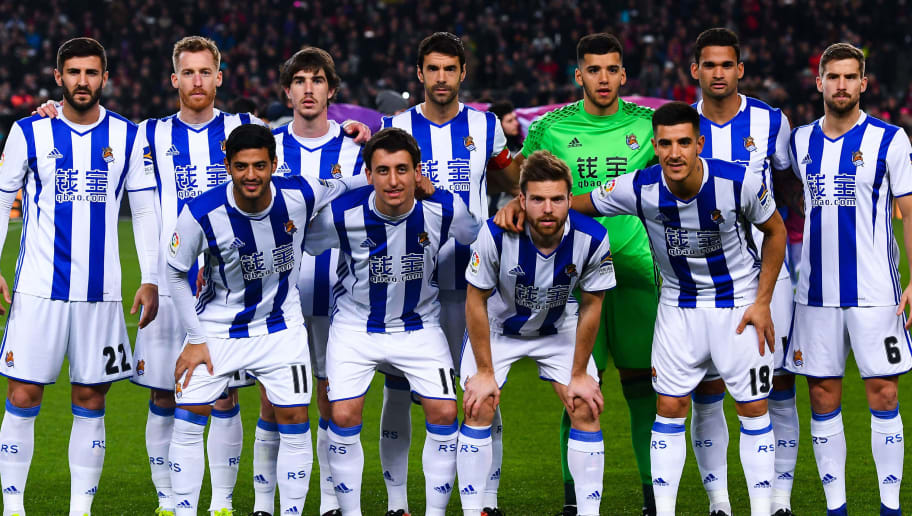 BARCELONA, SPAIN - JANUARY 26:  Real Sociedad players pose for a team picture prior to kick-off during the Copa del Rey quarter-final second leg match between FC Barcelona and Real Sociedad at Camp Nou on January 26, 2017 in Barcelona, Spain.  (Photo by David Ramos/Getty Images)
