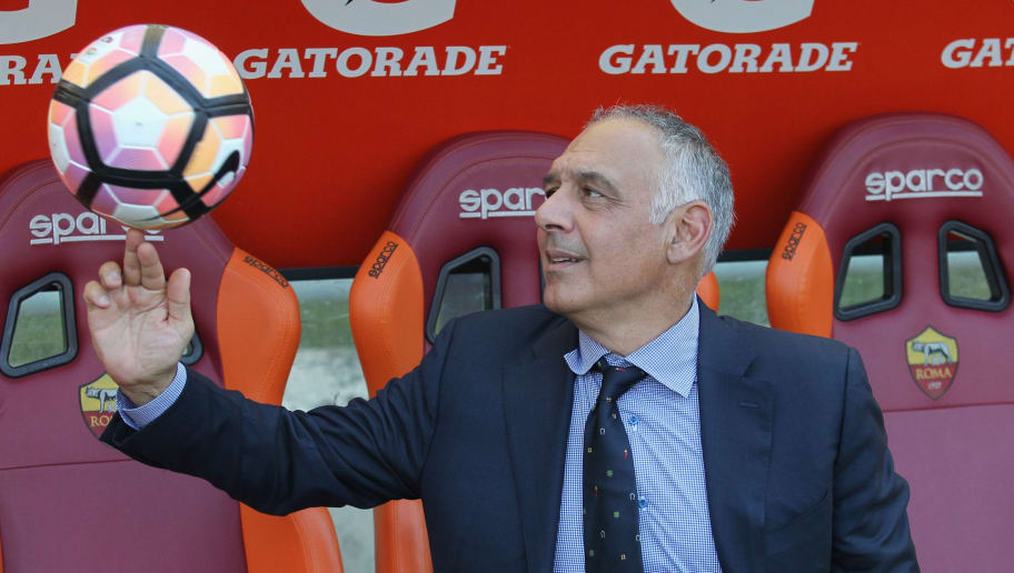 ROME, ITALY - MAY 28:  AS Roma President James Pallotta plays with the ball during the Serie A match between AS Roma and Genoa CFC at Stadio Olimpico on May 28, 2017 in Rome, Italy.  (Photo by Paolo Bruno/Getty Images)
