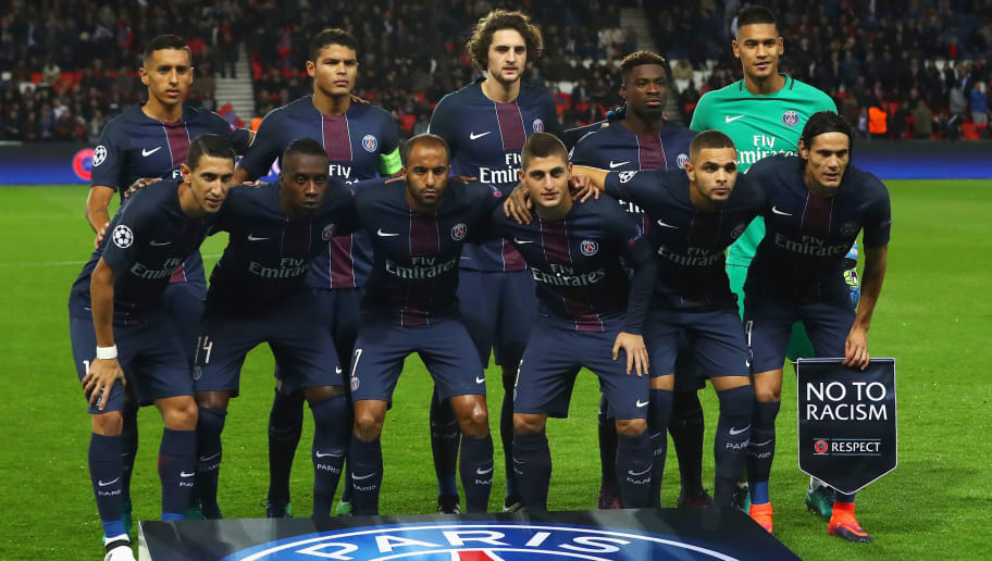 PARIS, FRANCE - OCTOBER 19:  The team of PSG line up prior to the Group A, UEFA Champions League match between Paris Saint-Germain Football Club and Fussball Club Basel 1893 at Parc des Princes on October 19, 2016 in Paris, France.  (Photo by Dean Mouhtaropoulos/Getty Images)
