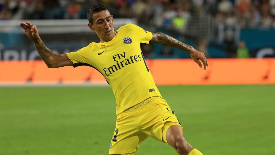 MIAMI GARDENS, FL - JULY 26: Angel Di Maria #11 of Paris Saint-Germain carries the ball during the International Champions Cup 2017 match against the Juventus at Hard Rock Stadium on July 26, 2017 in Miami Gardens, Florida.  (Photo by Mike Ehrmann/Getty Images)
