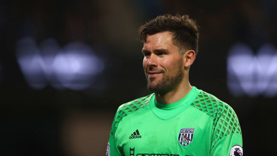 MANCHESTER, ENGLAND - MAY 16:  Ben Foster of West Bromwich Albion in action during the Premier League match between Manchester City and West Bromwich Albion at Etihad Stadium on May 16, 2017 in Manchester, England.  (Photo by Clive Mason/Getty Images)