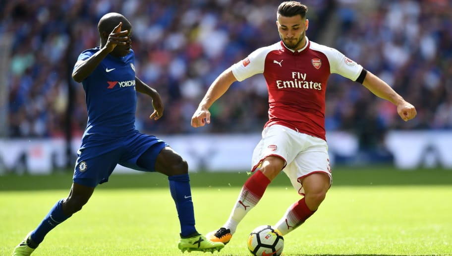 LONDON, ENGLAND - AUGUST 06:  N'Golo Kante of Chelsea and Sead Kolasinac of Arsenal battle for possession during the The FA Community Shield final between Chelsea and Arsenal at Wembley Stadium on August 6, 2017 in London, England.  (Photo by Dan Mullan/Getty Images)