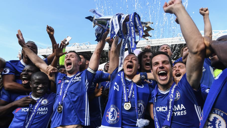 LONDON, ENGLAND - MAY 21: Ngolo Kante, Gary Cahill, John Terry and Cesar Azpilicueta of Chelsea celebrates with the Premier League Trophy after the Premier League match between Chelsea and Sunderland at Stamford Bridge on May 21, 2017 in London, England. (Photo by Michael Regan/Getty Images)