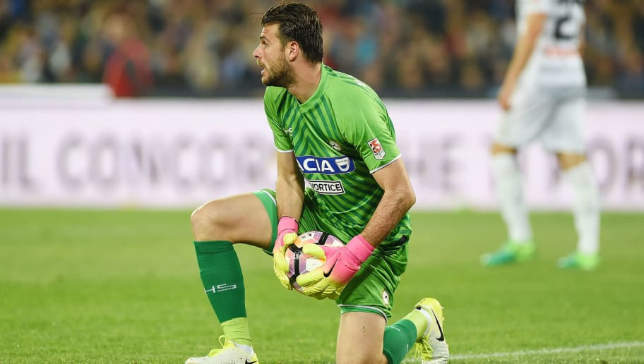 NAPLES, ITALY - APRIL 15:  Orestis Karnezis of Udinese Calcio in action during the Serie A match between SSC Napoli and Udinese Calcio at Stadio San Paolo on April 15, 2017 in Naples, Italy.  (Photo by Francesco Pecoraro/Getty Images)