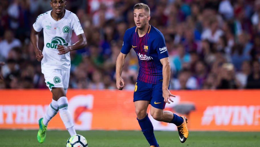 BARCELONA, SPAIN - AUGUST 07: Gerard Deulofeu of FC Barcelona conducts the ball during the Joan Gamper Trophy match between FC Barcelona and Chapecoense at Camp Nou stadium on August 7, 2017 in Barcelona, Spain. (Photo by Alex Caparros/Getty Images)