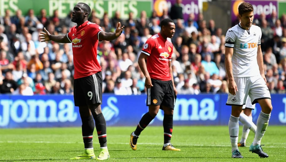 SWANSEA, WALES - AUGUST 19:  Romelu Lukaku of Manchester United celebrates scoring his sides second goal during the Premier League match between Swansea City and Manchester United at Liberty Stadium on August 19, 2017 in Swansea, Wales.  (Photo by Dan Mullan/Getty Images)