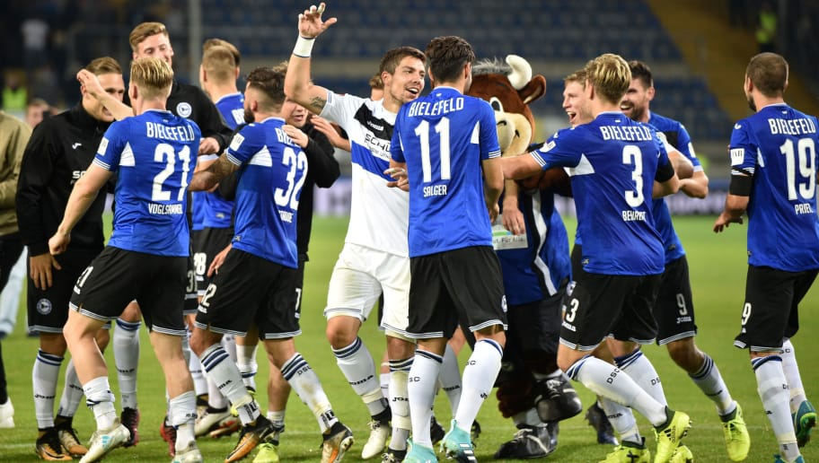 BIELEFELD, GERMANY - AUGUST 21: Players of Bielefeld celebrater after winning the Second Bundesliga match between DSC Arminia Bielefeld and VfL Bochum 1848 at Schueco Arena on August 21, 2017 in Bielefeld, Germany.  (Photo by Thomas Starke/Bongarts/Getty Images)
