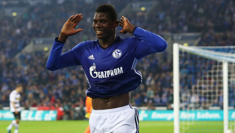 GELSENKIRCHEN, GERMANY - OCTOBER 02:  Breel Embolo #36 of Schalke celebrates scoring his teams fourth goal of the game during the Bundesliga match between FC Schalke 04 and Borussia Moenchengladbach at Veltins-Arena on October 2, 2016 in Gelsenkirchen, Germany.  (Photo by Dean Mouhtaropoulos/Bongarts/Getty Images)