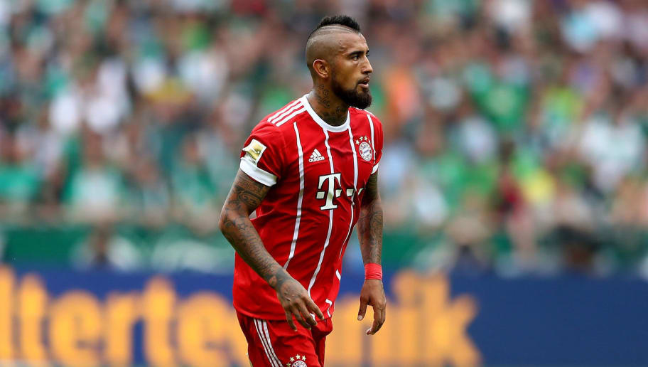 BREMEN, GERMANY - AUGUST 26:  Arturo Vidal of Muenchen runs with the ball during the Bundesliga match between SV Werder Bremen and FC Bayern Muenchen at Weserstadion on August 26, 2017 in Bremen, Germany.  (Photo by Martin Rose/Bongarts/Getty Images)