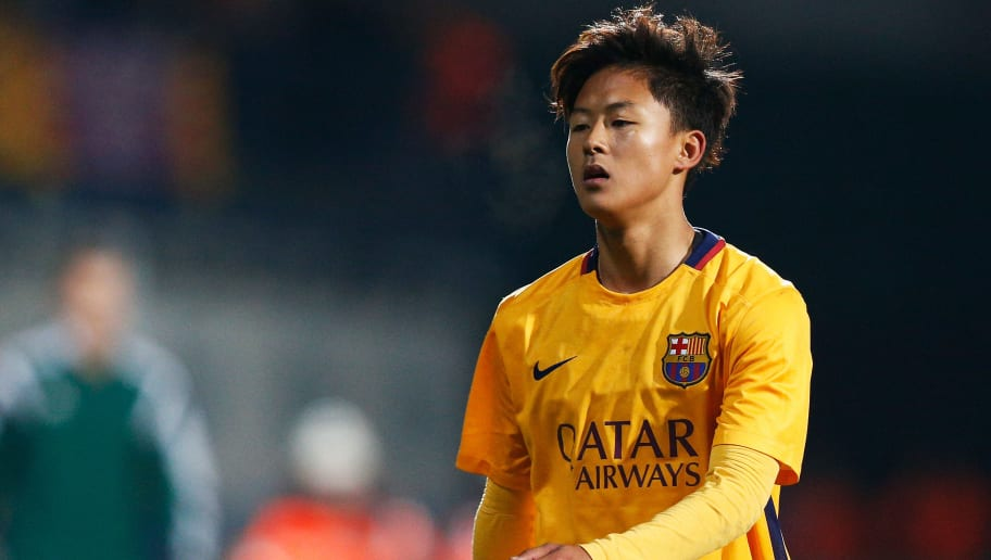 DENDERLEEUW, BELGIUM - MARCH 08:  Seungwoo Lee of Barcelona looks on during the UEFA Youth League Quarter-final match between Anderlecht and Barcelona held at Van Roy Stadium on March 8, 2016 in Denderleeuw, Belgium.  (Photo by Dean Mouhtaropoulos/Getty Images)
