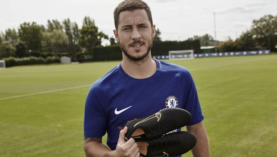 e4b8d219b Chelsea s Eden Hazard Shows Off New Nike Mercurial Vapor Flyknit Ultra Boots