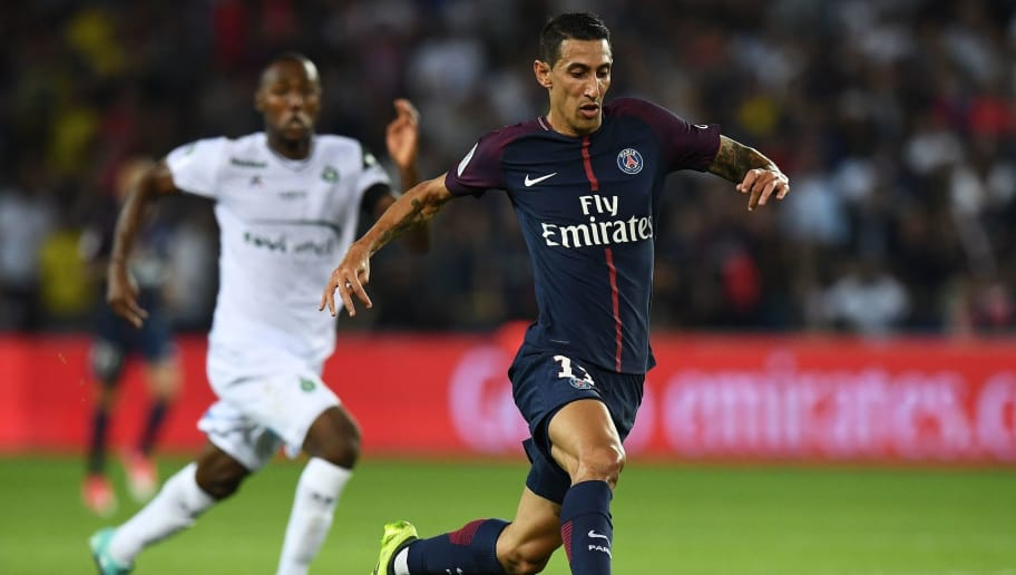 Paris Saint-Germain's Argentinian forward Angel Di Maria (R) controls the ball during the French Ligue 1 football match between Paris Saint-Germain (PSG) and Saint-Etienne (ASSE) at the Parc des Princes stadium in Paris on August 25, 2017.    / AFP PHOTO / FRANCK FIFE        (Photo credit should read FRANCK FIFE/AFP/Getty Images)