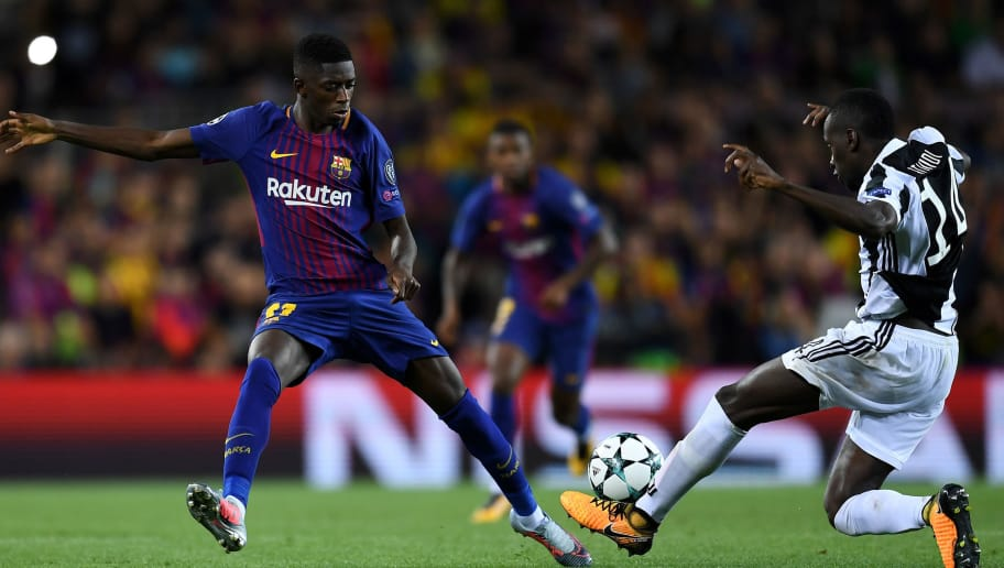 BARCELONA, SPAIN - SEPTEMBER 12: Ousmane Dembele of Barcelona and Blaise Matuidi of Juventus battle for possession during the UEFA Champions League Group D match between FC Barcelona and Juventus at Camp Nou on September 12, 2017 in Barcelona, Spain.  (Photo by David Ramos/Getty Images)