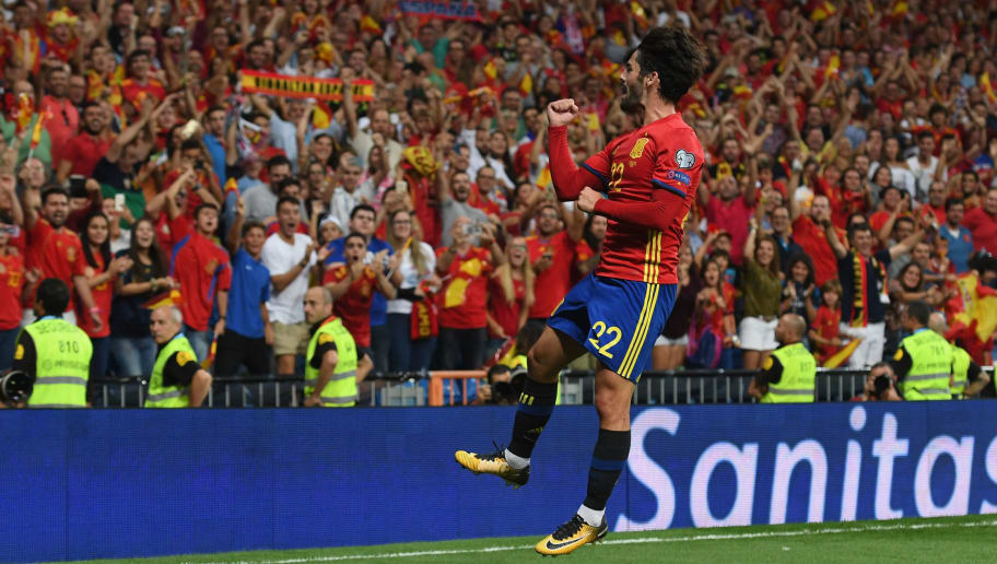 MADRID, SPAIN - SEPTEMBER 02:  Spain's midfielder Isco celebrates after scoring the second goal during the FIFA 2018 World Cup Qualifier between Spain and Italy at Estadio Santiago Bernabeu on September 2, 2017 in Madrid, Spain.  (Photo by Claudio Villa/Getty Images)