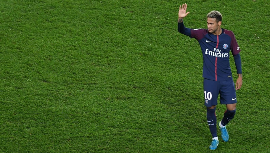 Paris Saint-Germain's Brazilian forward Neymar acknowledges the fans following the team's 2-0 win in the French L1 football match between Paris Saint-Germain and Olympique Lyonnais at the Parc des Princes Stadium in Paris on September 17, 2017. / AFP PHOTO / ALAIN JOCARD        (Photo credit should read ALAIN JOCARD/AFP/Getty Images)