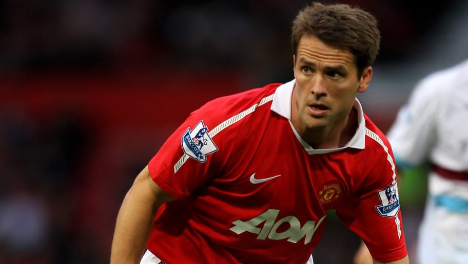 MANCHESTER, ENGLAND - AUGUST 28:  Michael Owen of Manchester United in action during the Barclays Premier League match between Manchester United and West Ham United at Old Trafford on August 28, 2010 in Manchester, England. (Photo by Alex Livesey/Getty Images)