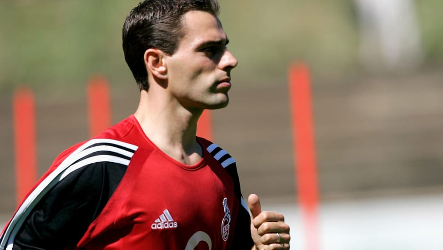 COLOGNE, GERMANY - JUNE 23:  Anthony Lurling runs during the first training session of the First Bundesliga Team 1. FC Cologne for the Season 2005-2006 on June 23, 2005 in Cologne, Germany.  (Photo by Christof Koepsel/Bongarts/Getty Images)