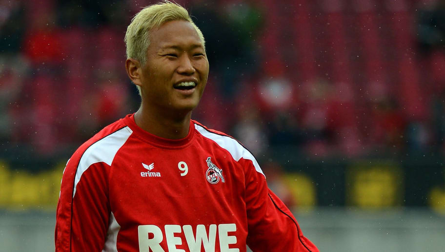 COLOGNE, GERMANY - AUGUST 31:  Chong Tese of Koeln warms up prior to the Second Bundesliga match between 1. FC Koeln and Energie Cottbus at RheinEnergieStadion on August 31, 2012 in Cologne, Germany.  (Photo by Lars Baron/Bongarts/Getty Images)