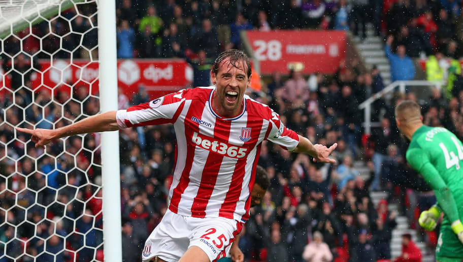 STOKE ON TRENT, ENGLAND - SEPTEMBER 30:  Peter Crouch of Stoke City celebrates scoring his sides second goal during the Premier League match between Stoke City and Southampton at Bet365 Stadium on September 30, 2017 in Stoke on Trent, England.  (Photo by Alex Livesey/Getty Images)